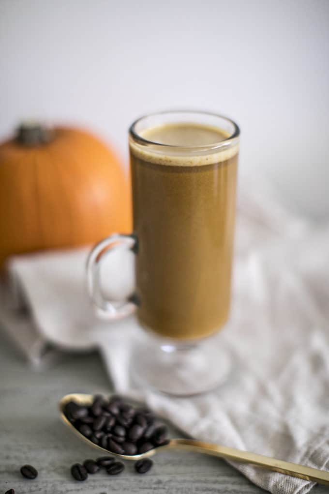 Homemade healthy pumpkin spice latte recipe, an alternative to Starbucks and perfect for Fall.