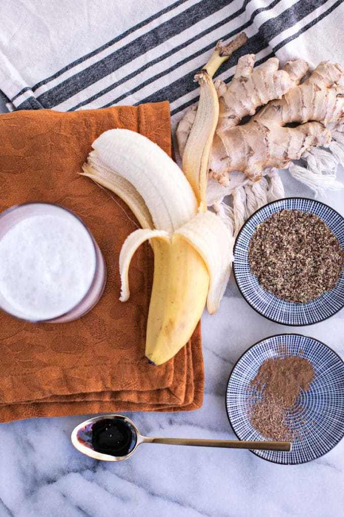 Healthy Gingerbread Smoothie ingredients: refined sugar free, Christmas, holiday, banana, molasses