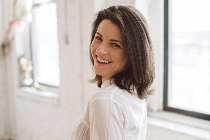 In this inspiring interview, Molly Hayward, co-founder of Cora organic tampons, shares her favorite natural products, vegetarian eating tips and advice for living a sustainable life you can be proud of!