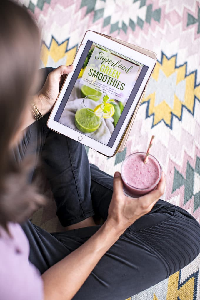 Welcome to the #RRSummerBlender Smoothie Contest! This wellness revolution is bringing together influential real foodies for superfood smoothie recipes and lots of giveaways!