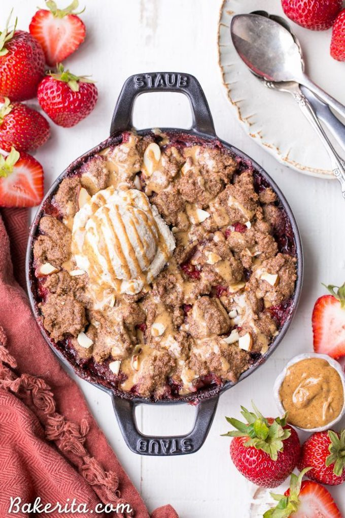 Healthy 4th of July Recipes: Desserts - strawberry crisp