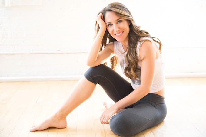 In this inspiring interview,Erin Stutland, online fitness coach and mind-body wellness expert, shares her healthy eating tips + favorite non-toxic beauty products,and advice for living your life with positivity and radiance!
