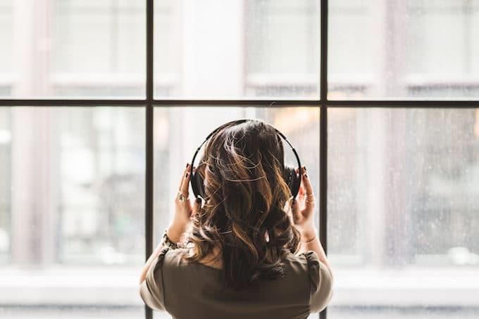 10 Ways to Reduce Holiday Stress Naturally: Listen to Music
