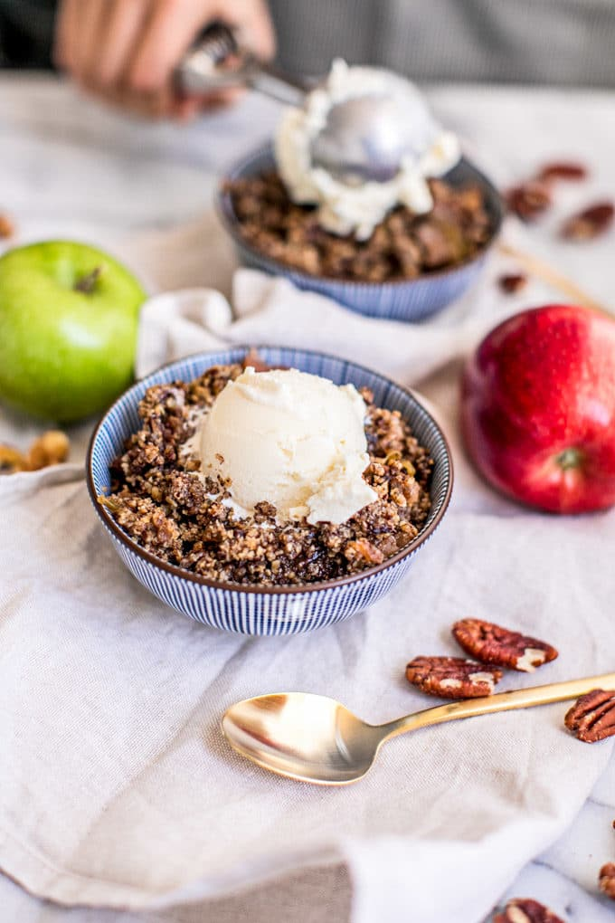 Healthy Fall Recipes Featuring Apples with Slow Cooker Apple Crisp Recipe