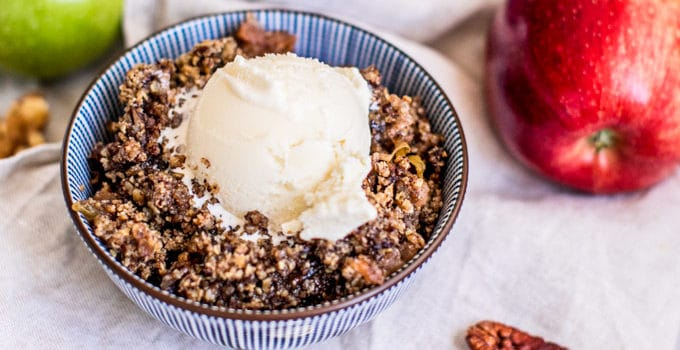 Easy Slow Cooker Apple Crisp Recipe (Gluten Free)