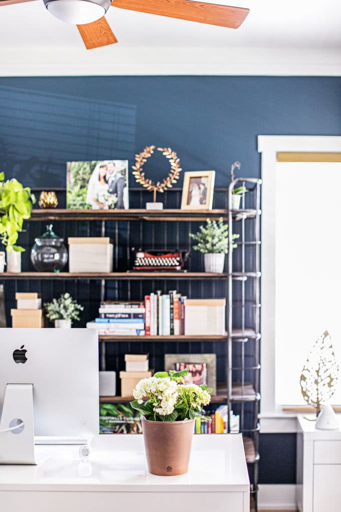 Looking for ideas and inspiration for Home Office Design? Our modern farmhouse just got a makeover! Up first: a Chic, Industrial Office Reveal with tons of rustic, cozy details perfect for women who work from home.