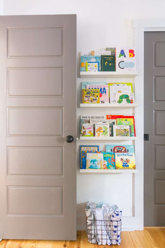 Baby Nursery: ideas, books, shelves, ikea, neutral, natural, decor, decorations