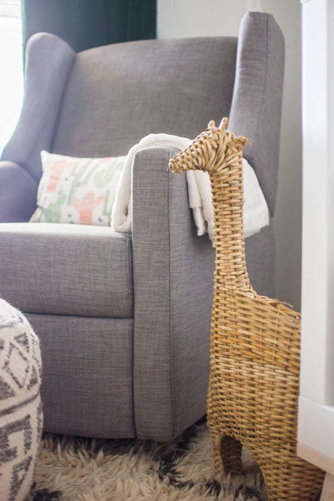 Baby Nursery: ideas, neutral, natural, boy, decor, chair, giraffe