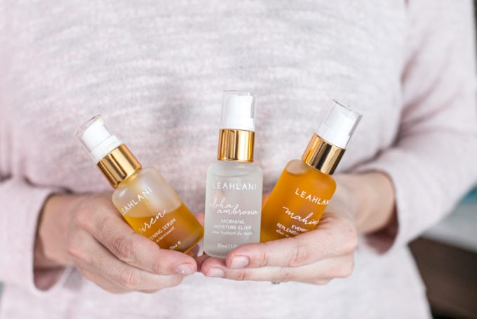 The Best Natural Acne Products + Skincare Treatments: Face oils + serums. Leahlani.