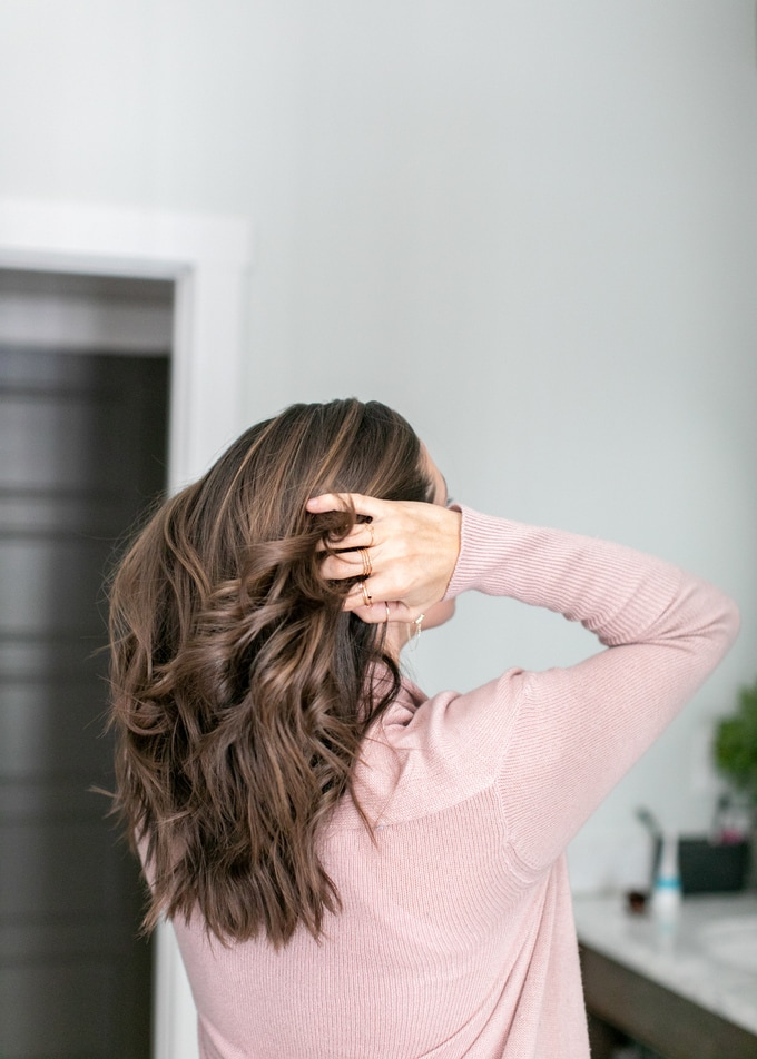 Looking for the best natural hair products and regimens that actually work? Whether your hair is straight or curly, dry or frizzy, color-treated or not, it's time to toss your toxic shampoos, conditioners, and styling products for these tried and tested natural alternatives!